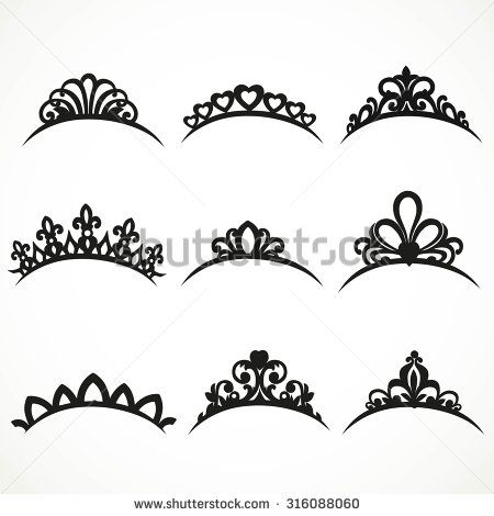 Cara: I like the small crown tiara in the middle