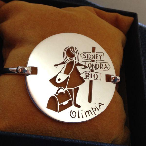 Bracciale in argento con Olimpia... le piace viaggiare!!