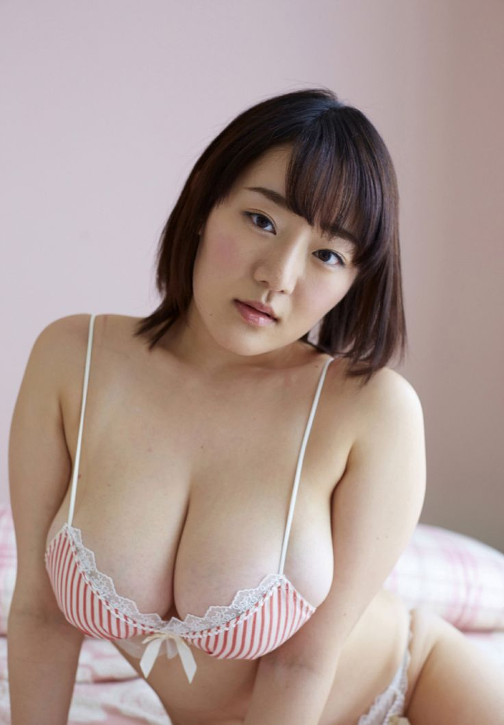 top-heavy-japanese-boobs-hooters-plane