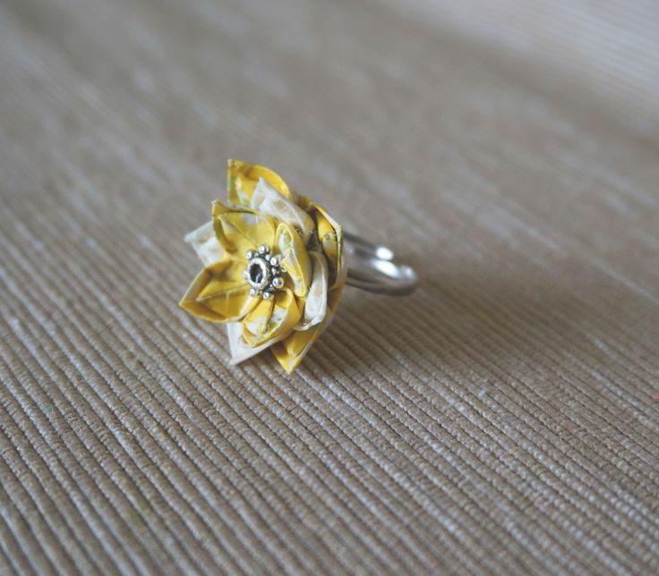 Origami lotus ring