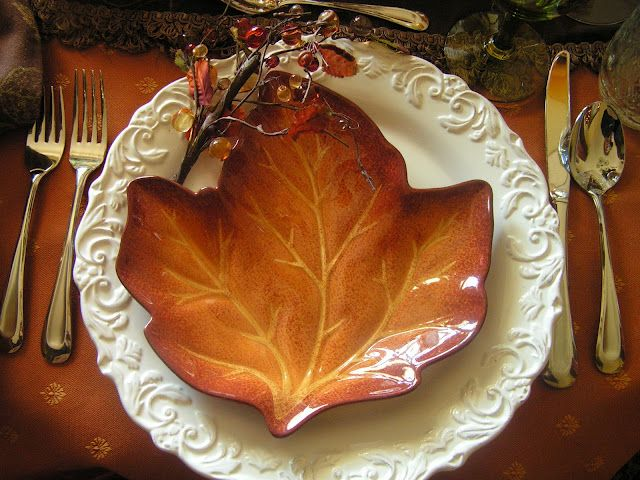 Very Pretty Idea For Special Occasion Table Setting In The Fall