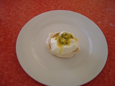 Australia Day - mini pavlovas, use white chocolate ganache instead of cream