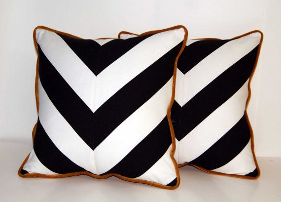 throw pillows // http://www.etsy.com/shop/ccduexvie