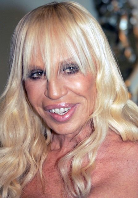 donatella versace plastic surgery gone wrong plastic. Black Bedroom Furniture Sets. Home Design Ideas