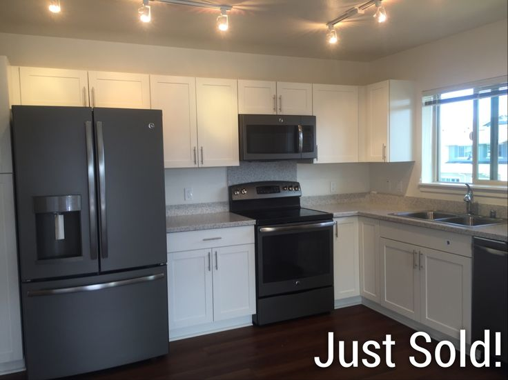 Just Sold in Kapolei! Represented Buyer  Brand-new 3-bedroom townhome in Olino at Mehana!