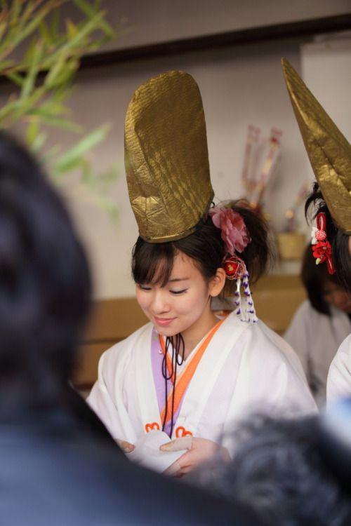 Japanese shrine maiden