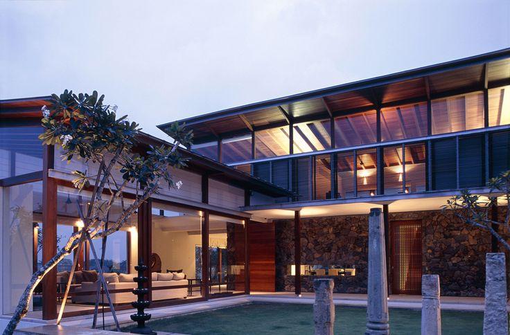 Subang Jaya House in Malaysia by BEDMaR & SHi Design Consultants