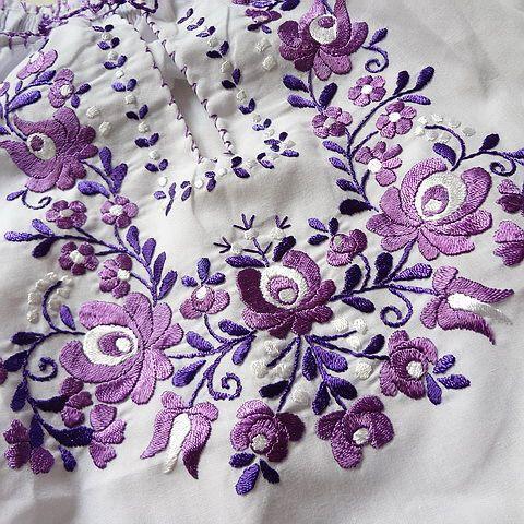 [20584]ハンガリー 刺繍ブラウス ホワイトxパープル バルーンスリーブ ウエスト絞り Mサイズ : マロージナエ・ミュージアム2