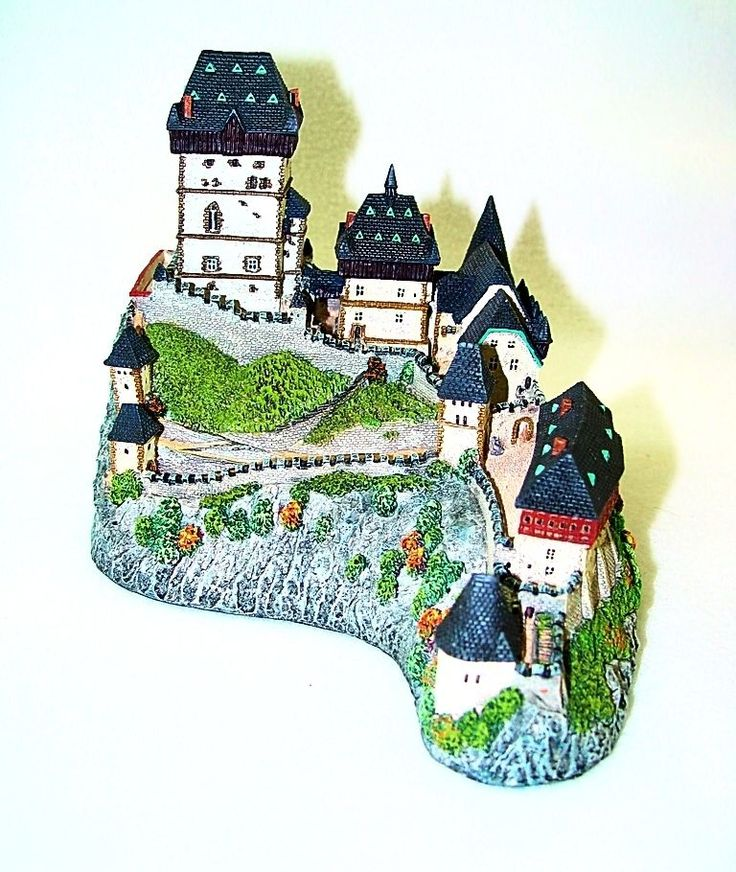 $49.99 Danbury Mint Enchanted Castles of Europe Karlstejn, Bohemia Czech COA & Box!