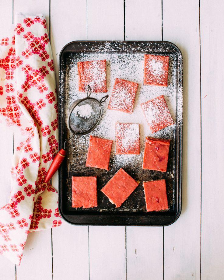 Rhubarb Curd Bars - Foodess