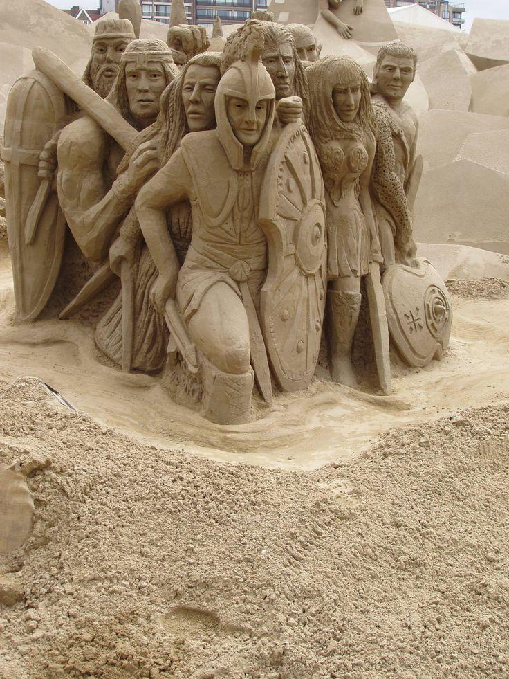 E io che con la sabbia non sono mai riuscito a fare più che qualche budino...