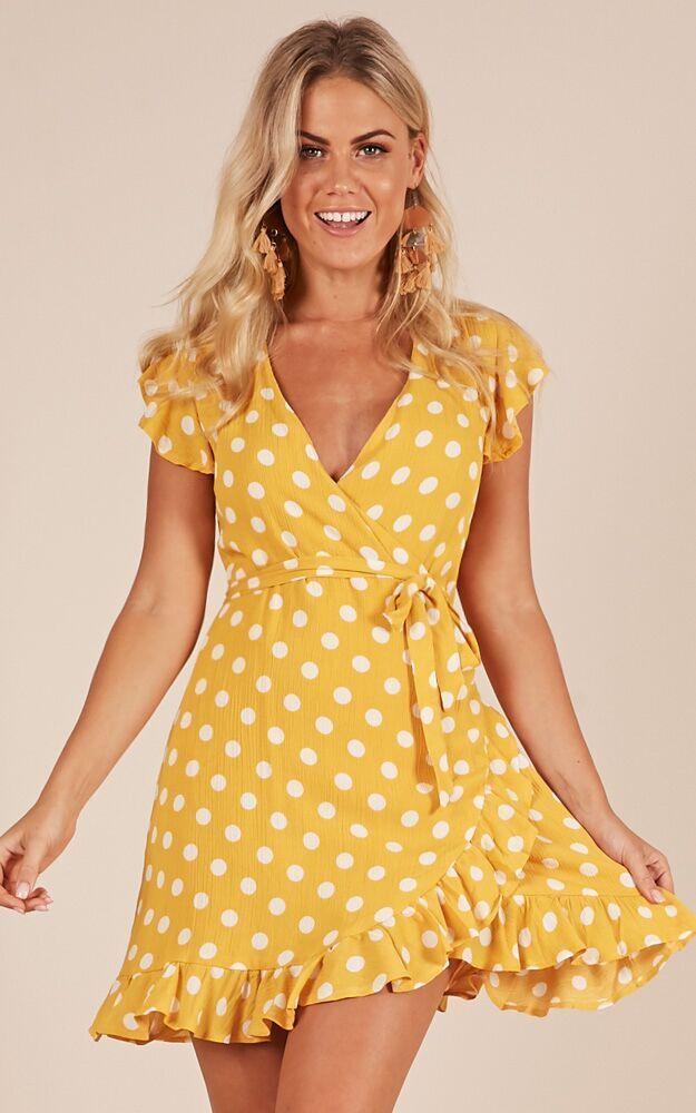 34+ Yellow polka dot dress information
