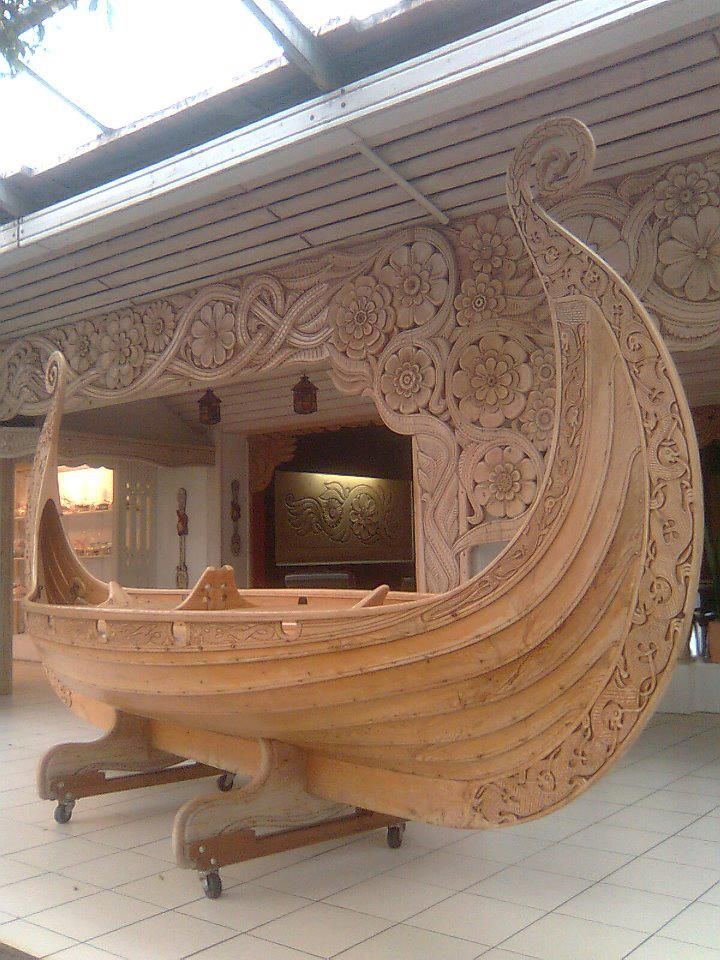 Woodcarving http://www.facebook.com/photo.php?fbid=10151361358169392=pb.199763304391.-2207520000.1357486379=3