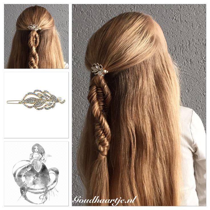 Three strand fishtail braid or DNA braid with a pretty hairclip from Goudhaartje.nl #threestrandbraid #3strandbraid #fishtailbraid #threestrandfishtail #braid #hair #longhair #hairstyle #instabraid #hairclip #hairaccessories #beautifulhair #halfup #halfupdo #vlecht #vissengraatvlecht #haar #haarstijl #langhaar #mooihaar #haarclip #haarspeldjes #haaraccessoires #goudhaartje