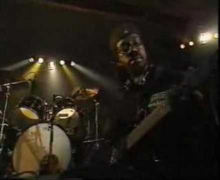 Righteous Tunes - Burning Spear - Marcus Garvey (live)