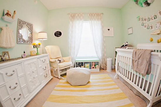 Mint Green and Yellow Nursery / Photo by  Threaded Together Photography / Via On To Baby / http://www.ontobaby.com/2012/08/kates-lovely-yellow-mint-green-nursery/#