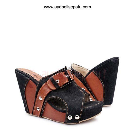 Ferunia Wedges Sandal - IDR 159.000 sandal wedges dengan model elegant dibuat dari material bahan syntetic leather. #wedgessandal #sandalwedges #sandalwanita