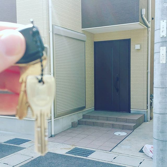 Today I became a #homeowner - who will be the first to break in the guest room in my new Kyoto #suburb - I am already taking 3D scans for my #ARientation project so you can visit virtually.  #etourism #kyotoliving