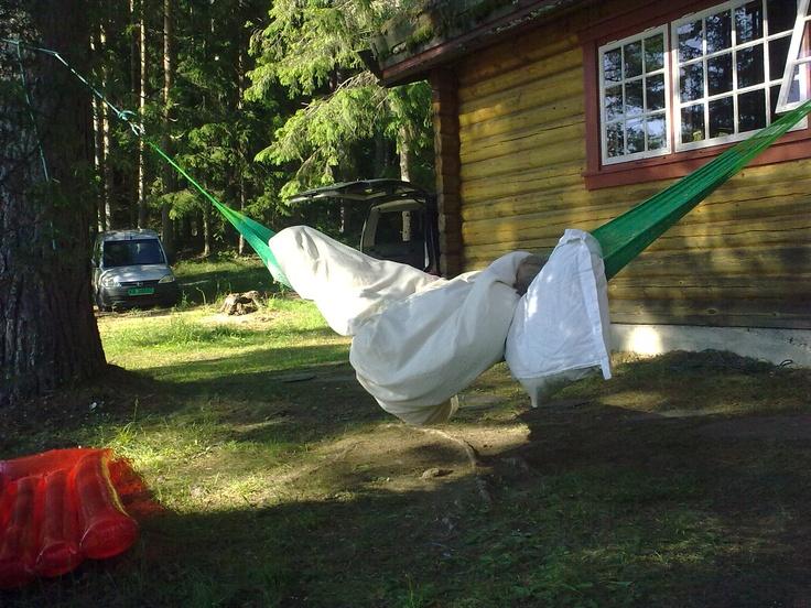 Slaraffenliv på hytta.