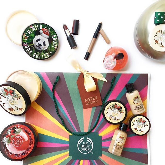 :christmas_tree:• W i l d C h r i s t m a s • :christmas_tree:  :sparkles: Hii lovely's! Happy #friday #friyay to you all :relaxed::two_hearts:  :sparkles: Soooo, this was inside my @thebodyshop goodie bag! It actually felt like Christmas when I opened my bag :sob: still can't believe that I was invited to this big event, I feel like a noobie :joy:  :sparkles:I'm an oily skin girl, but my body is always so dry compared to my face! So these body butters just came on time for this fall/winter…