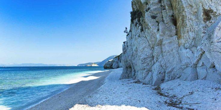 6 delle più belle spiagge dell'Isola d'Elba le meno conosciute e meno frequentate dal turismo di massa, veri paradisi dell'Arcipelago Toscano