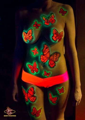 Artfully exposed skin city body painting las vegas for Body paint party city