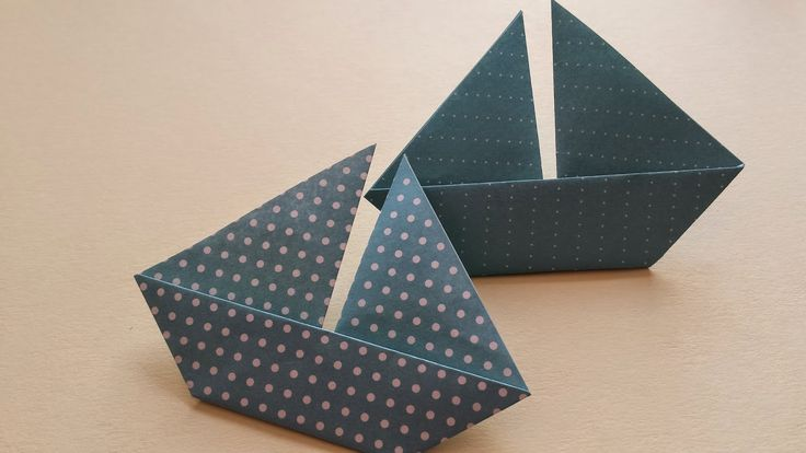 best 25 pliage serviette bateau ideas that you will like on pinterest pliage bateau papier. Black Bedroom Furniture Sets. Home Design Ideas