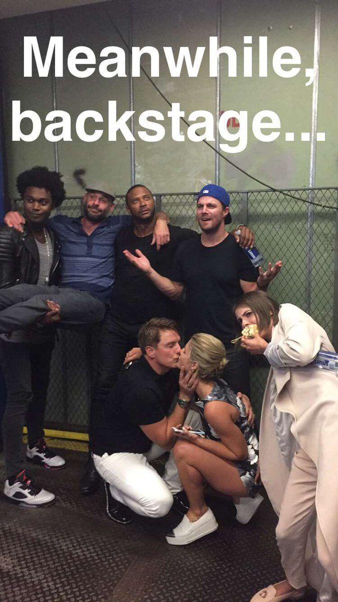 """Everyone act casual"" I already said that I love #SDCC? LOOOL #Arrow cast #SDCC2016"