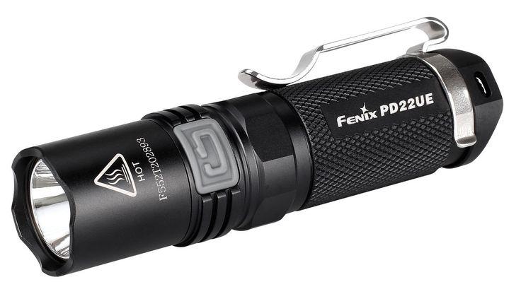 Linterna Fenix PD22, con hasta 510 lumenes. Ilumina a 130 metros de distancia. 100 horas de duración de baterias en modo Bajo. 4 modos de iluminacion y 2 modos flash.