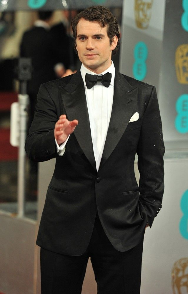 cavill | henry cavill the 2013 ee british academy film awards arrivals photo ...