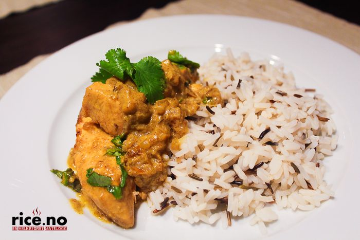 Indian salmon curry with wild rice