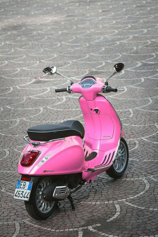 How has vespa design changed since it first came onto the market?