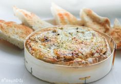 Sin palabras >> Brie al horno con ajos y vino | L'Exquisit