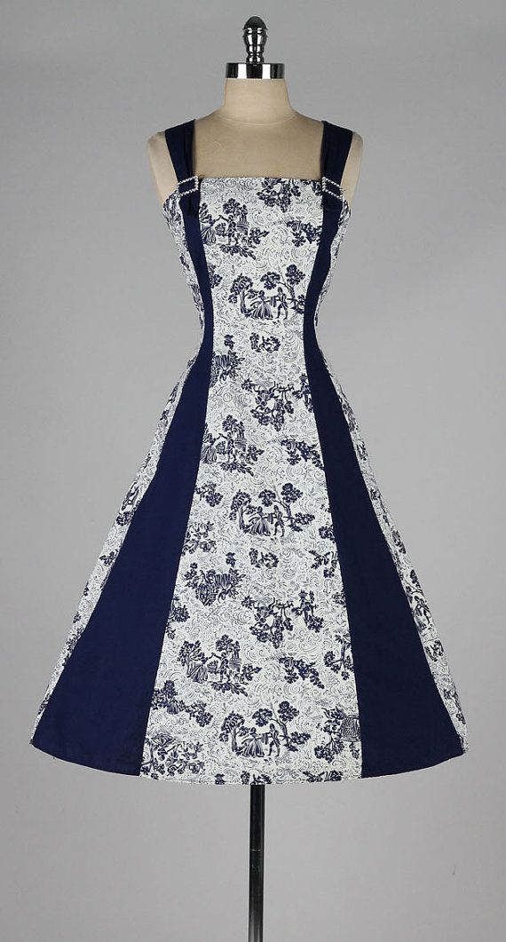 vintage 1950s dress . navy blue toile print . by millstreetvintage
