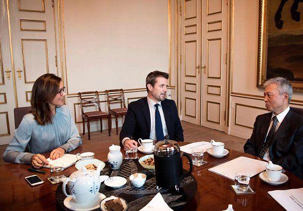 The Danish Crown Prince couple met with Ambassador Toshiro Suzuki