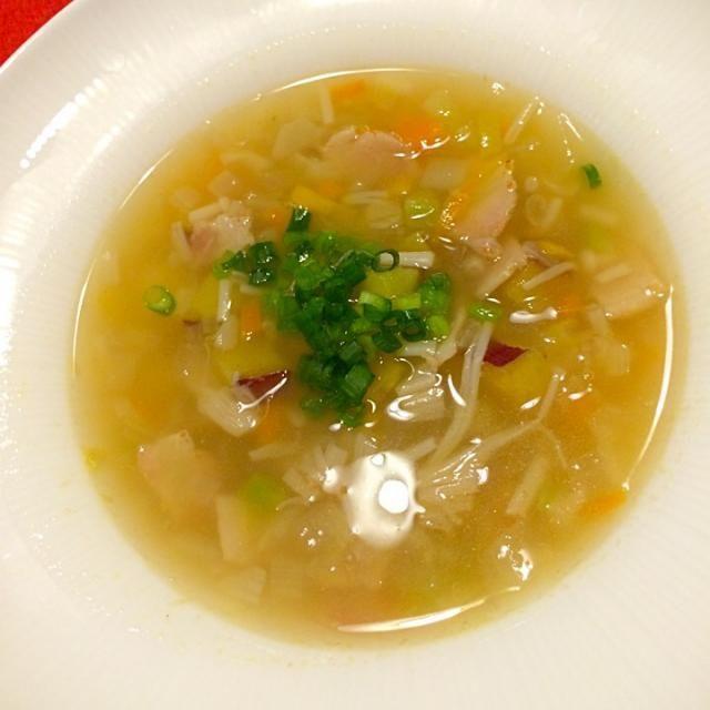 ミネストローネ=トマト、のイメージですが、イタリアでミネストローネとは、具沢山のスープと言うのが定義なのだそうです。と、友達が言っていました - 146件のもぐもぐ - 和野菜ミネストローネ by maruma8661