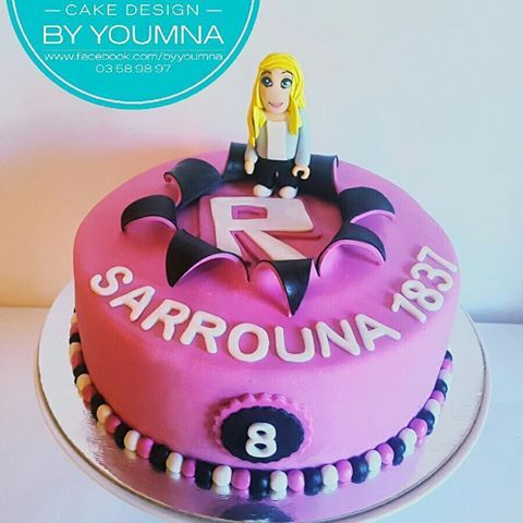 Roblox cake, with sarrounas favorite own custom made virtual char #byyoumna #robloxcake #roblox