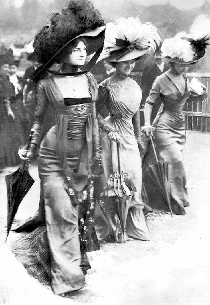 Why can't we still wear fashion like this?!  Look at those hats.  Awesome. 1908 Fashion at Longchamp Racing, Paris