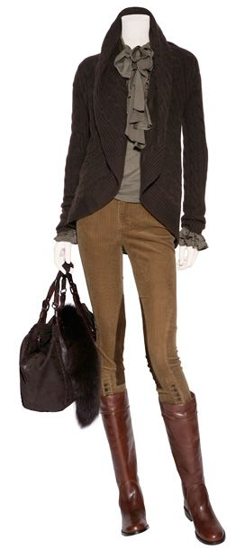 Chocolate Chunky Cashmere Cables Circle Cardigan  RALPH LAUREN  889 €  Solange True Sage Ruffle Top  POLO RALPH LAUREN  249 €  Hannette Brown Textured Bag with Fox Tail  HENRY BEGUELIN  1.035 €  Washed tan stretch corduroy riding pants  POLO RALPH LAUREN  279 €  Mahogany flat leather boots  KORS MICHAEL KORS  375 €