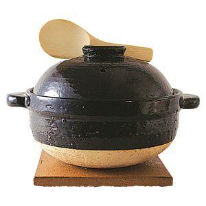 暮らしかた冒険家愛用土鍋。 炊いたご飯をいれっぱなしでも美味しさを保つおひついらずの優れもの。