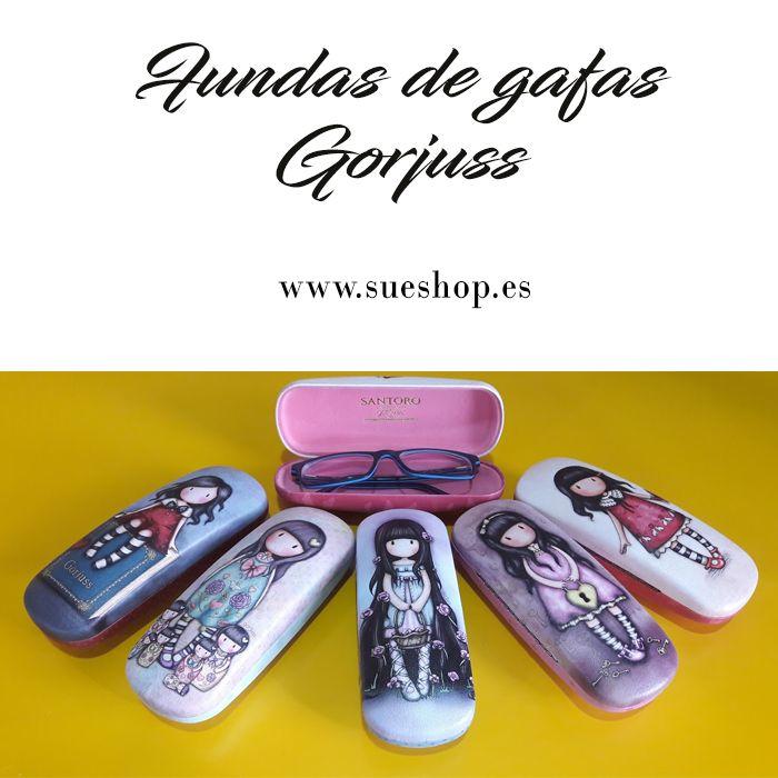 """Consigue una preciosa Funda de Gafas Gorjuss Compacta con los nuevos diseños """"My Story"""", """"Seven Sisters"""", """"Rosie"""", """"The Secret"""" y """"Time to Fly"""", por tan solo 15,45€!! @sueshop_es #gorjuss #santorolondon #gafas #funda #fundadegafas #fundacompacta #complementos #sueshop"""