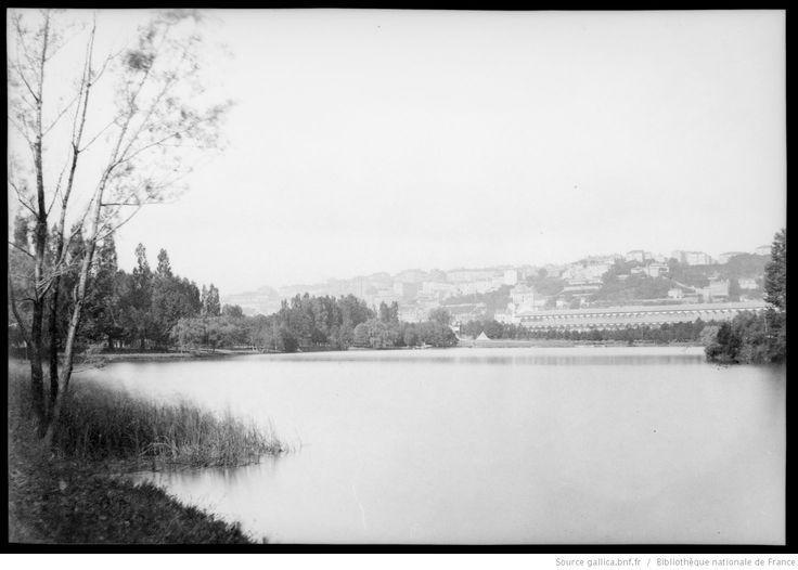 [Lyon, parc de la Tête d'Or, lac et bâtiments de l'exposition internationale] : [photographie négative] / [Paul Duseigneur]