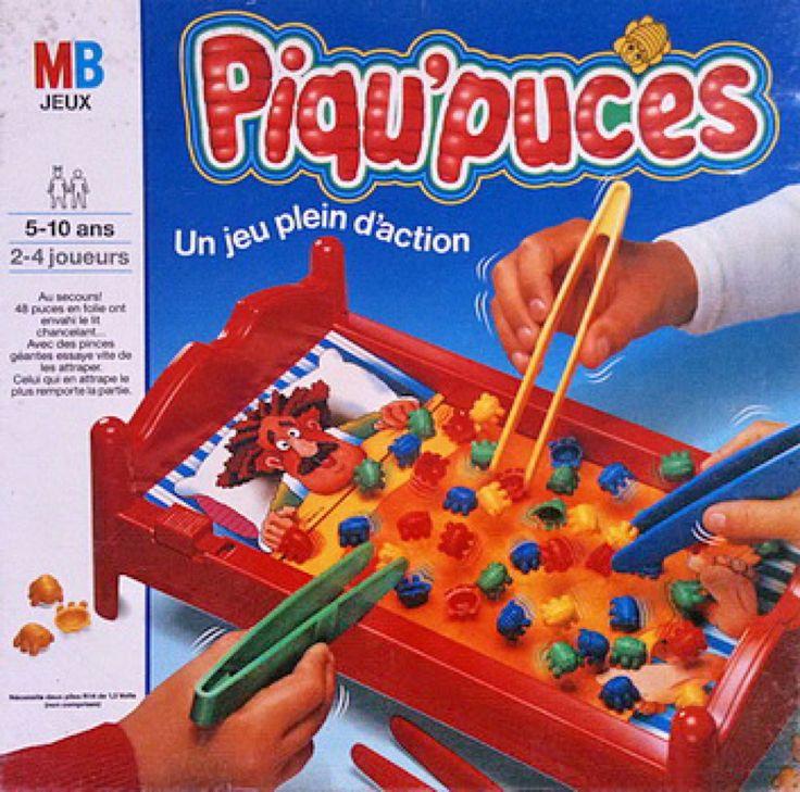 Le Piqu'puces, avec un principe simple, attraper les puces colorées sur le lit vibrant du moustachu avec une pince à épiler en plastique