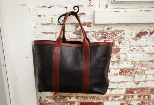 I want this tote: Madeinusa Lotuff, Usa Massachusetts, Leatherwork, Custom Leather, Totes Bags, Leather Totes, Lotuff Leather, Corner Products, Beautiful Things