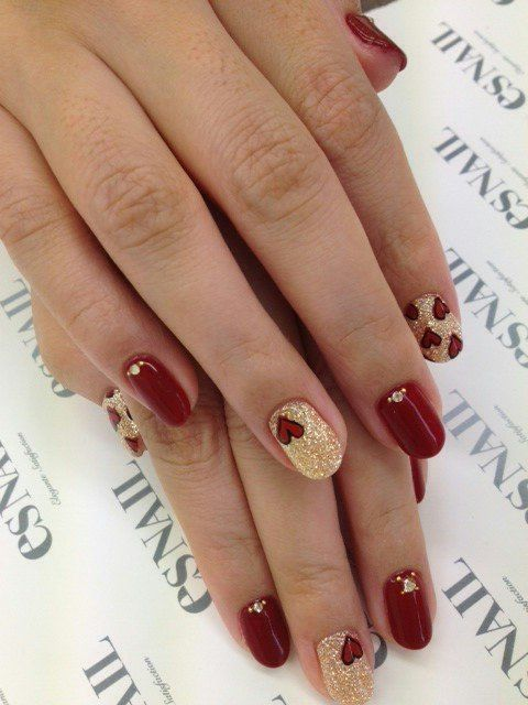 Valentine nails :) Another Ren reminder, think I would like all but 1 nail red with gold heart a diamond and one gold with red hearts