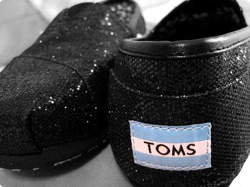 Toms Simli Siyah Işıltılı Model