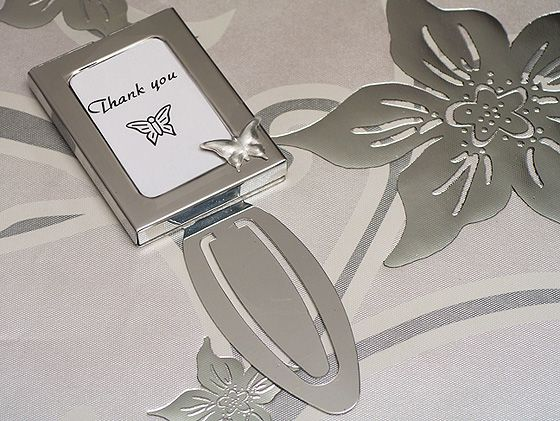 A truly unique way to say thank you to your guests. Every time your guests sit down to enjoy a good book they can mark it with memories with these exclusive unique design, butterfly photo frame