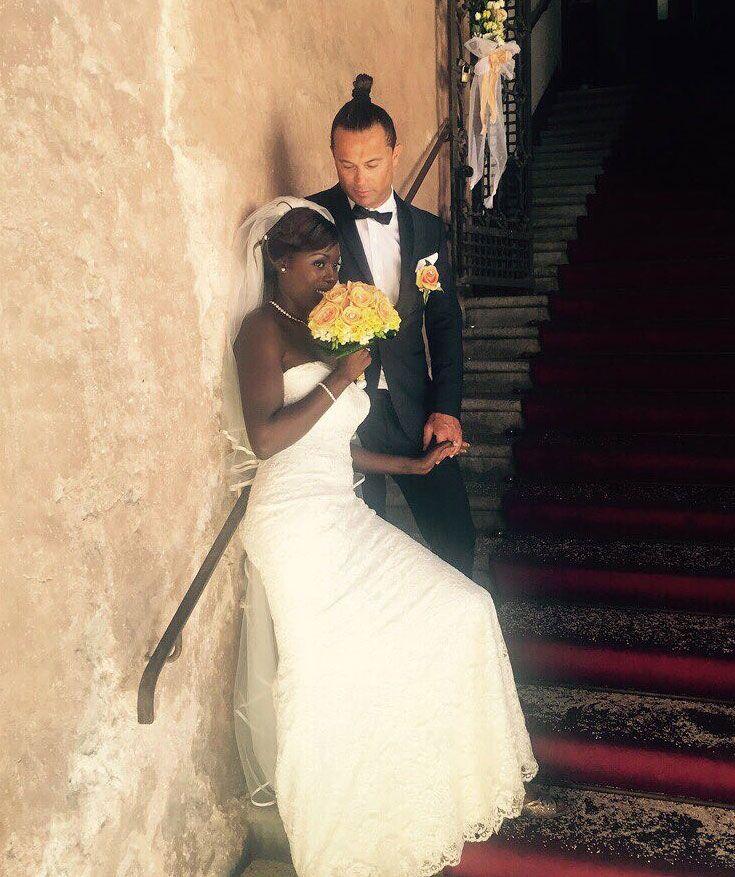 Il modello scelto di #abito da #sposa da Caroline racchiude la sua essenza, la sua personalità e risalta al meglio la sua bellezza.   #unasposatirapani #weddingday #tirapani #madeinitaly #sposavera #collezionesposa #nozze #bride #bridal