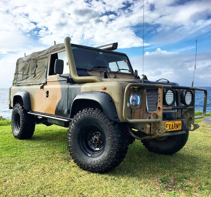 New flares fitted to the beast 👊🏻 #perentie #defender #110 #army