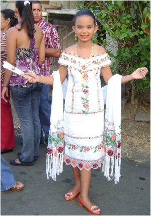 gelsy y de todo un poco: vestidos panameños estilizados